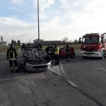 Grave incidente a Cividale: un'auto finisce ribaltata