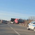 Camion esce di strada sulla statale di Remanzacco e finisce sui binari della ferrovia