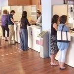 Da domani parte il reddito di cittadinanza, previste code e disagi agli sportelli delle poste da Codroipo a Cividale