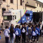 Studenti a lezione sui pericoli di internet, Cividale ospita il truck della polizia