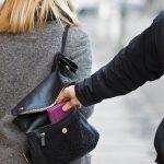 Tenta di rivendere dei cellulari rubati al Friuli doc, fermato dalla polizia