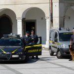 Dagli ospedali ai bar alle parocchie, in migliaia in Friuli nella frode degli estintori