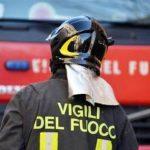 Dimentica la pentola sul gas acceso e va a fuoco la cucina a Udine