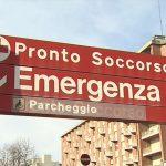 Scontro tra auto e moto in centro a Udine, centauro finisce in ospedale