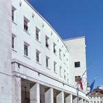 Sparatoria dentro la Questura di Trieste, due agenti morti. Friuli sotto schok