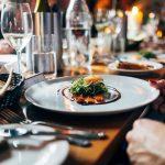 Pranzo di Natale in anticipo, ristoranti presi d'assalto in tutto il Fvg