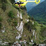 Precipita dal monte Chiampon, escursionista vivo per miracolo