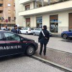 Tenta acquistare un'auto con un assegno falso a Udine, arrestato un 43enne
