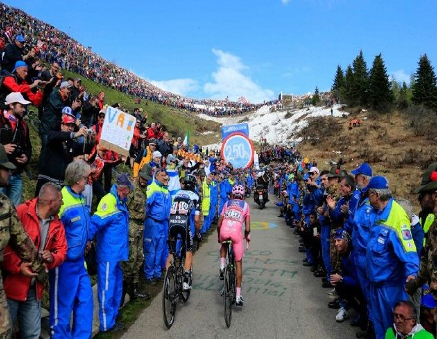 Giro d'Italia sul monte Lussari, eseguiti i primi ...