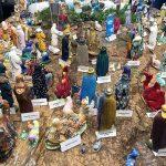 Il presepe della scuola di Gemona supera le 10 statuine decorate da tanti personaggi famosi