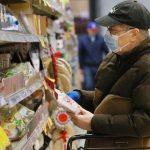 Al supermercato solo con mascherina e guanti, nuova ordinanza per il Fvg