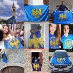 Bandiere sui balconi, canzoni e messaggi: il Friuli festeggia la patria a distanza