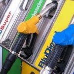 Super sconto dei carburanti ancora per tutto marzo per i comuni in fascia 1