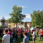 Ritorno alla lira, fisco più equo, no al bollo auto: i gilet arancioni in piazza a Udine senza tensioni
