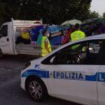 Lettini, sdraio e ombrelloni: a Lignano i sequestri contro la spiaggia prenotata