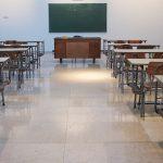 Per il ritorno sui banchi Gorizia schiera anche la protezione civile e gli agenti davanti alle scuole