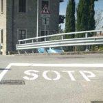 Segnaletica stradale con l'errore in Friuli: due casi buffi nello stesso paese