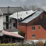 Tetti scoperchiati, frane e blackout: un sabato di passione per il maltempo in Alto Friuli