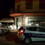 Forzano la porta di un'azienda di Udine, scatta l'allarme e scappano
