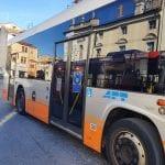 Senso unico su Corso Italia a Gorizia e cambiano anche le fermate dei bus