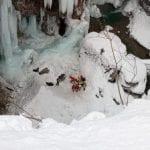 Cede un supporto, giovane alpinista precipita mentre scala il ghiaccio a Sappada