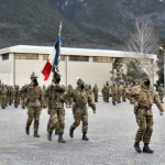 Gli alpini della Julia tornano dall'Afghanistan con la loro bandiera di guerra