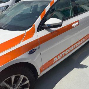 Scontro fatale con un'auto sulle strade del Friuli, muore un centauro quarantenne