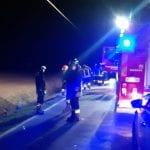 Furgone centra 2 ragazzi in motorino a Rivignano, uno finisce nel canale: è grave