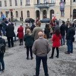 Festa del primo maggio anticipata a Gorizia e Nova Gorica, l'abbraccio in piazza