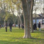 Anticipo di zona gialla a Udine, in tantissimi a passeggio in centro