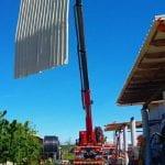 Volano i pannelli dal tetto di una stalla a Bagnaria Arsa, scatta la messa in sicurezza