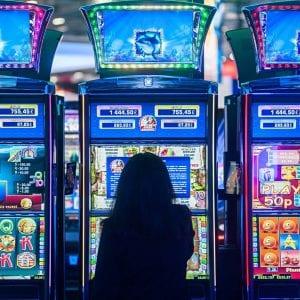 Un freno all'azzardo, a Palmanova orari ridotti per le sale giochi: c'è l'ordinanza