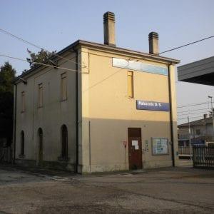 Troppi costi e tempi lunghi per i treni: resta chiusa la stazione a Palazzolo