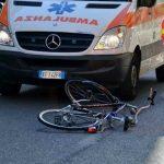 Investito da un'auto in bicicletta sulla strada di Porpetto, finisce in ospedale