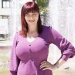 Una sexy prof come sindaco, Anna Ciriani si candida a Pordenone