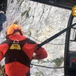 Paura sul monte Grauzaria: si rompe l'appiglio, alpinista fa un volo di 50 metri
