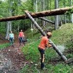 I volontari sistemano i sentieri, il Rifugio De Gasperi pronto a riaprire