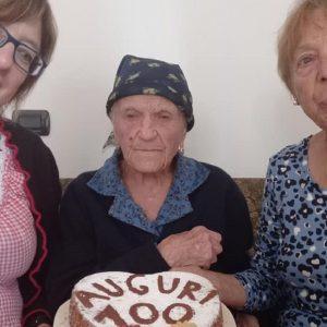 Sappada in festa per la sua centenaria, il traguardo tagliato da Erminia