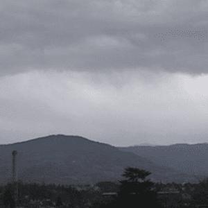 Dopo il caldo, un'altra giornata di maltempo: un forte acquazzone si abbatte sul Goriziano