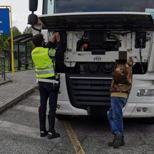 """Camion senza assicurazione o con """"scatola nera"""" alterata, diverse sanzioni a Reana"""