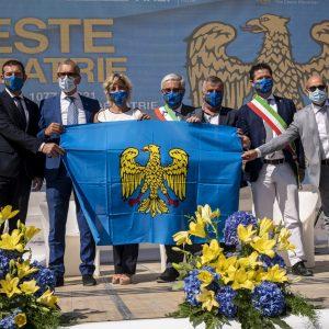 Su Udine svetta la bandiera del Friuli, l'emozione per la Festa della Patria