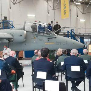 Un nuovo super aereo per gli studenti, al Malignani visita del Capo di Stato maggiore