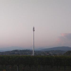 A Lucinico spunta una nuova antenna, scatta la protesta