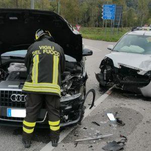 Due feriti dopo lo scontro frontale tra due auto nelle Valli del Natisone