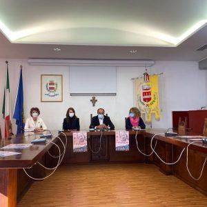 Il Comune di Pradamano toglie l'Iva dagli assorbenti: è il primo a farlo in Italia