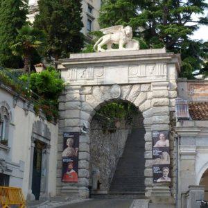L'Arco Bollani di Udine si rifà il look, il restauro lo finanzia la Danieli