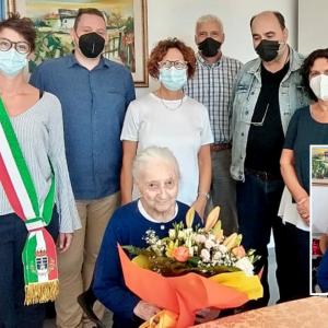 Festa per i 100 anni di nonna Maria a Tolmezzo, già negoziante e crocerossina