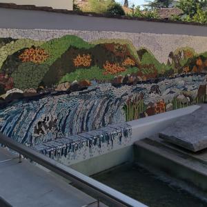 Un nuovo grande mosaico va ad abbellire il centro di Ronchi